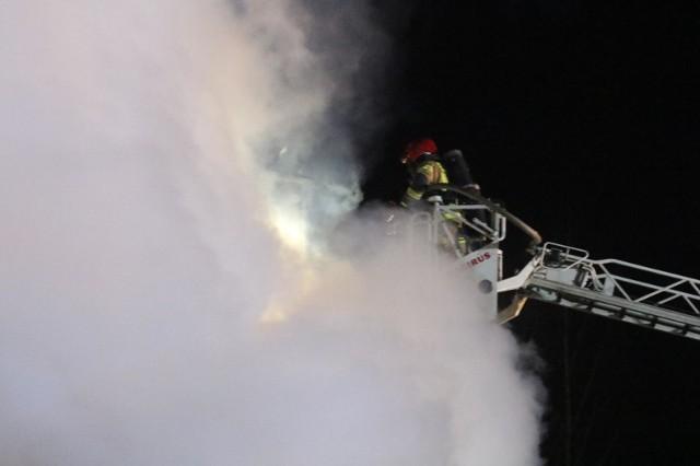 Skąd wziął się zapach spalenizny w Poznaniu? Prowadzono czynności gaśnicze.