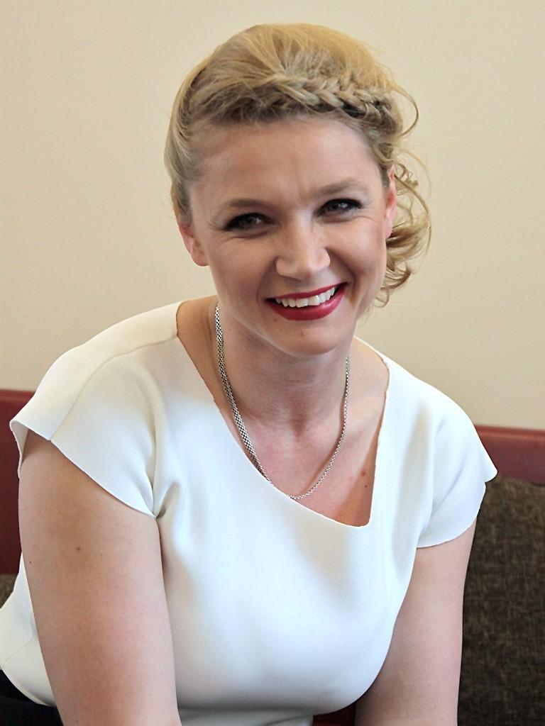 - Moje projekty są skierowane głównie do kobiet lubiących wyróżniać się z tłumu - twierdzi Joanna Dworakowska