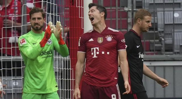 Spadek formy Roberta Lewandowskiego to pokłosie sytuacji w Bayernie Monachium? Niemcy nie mają wątpliwości