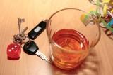 Pijany kierowca jechał po torach! Ludzie musieli go gonić