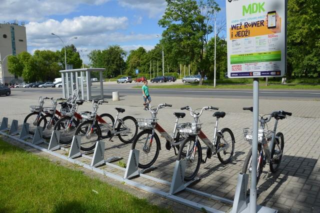 Stacja miejskich rowerów na Placu Piłsudskiego