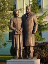 Autobusy pojadą inną drogą. Wszystko przez...odsłonięcie pomnika pary prezydenckiej w Radomiu