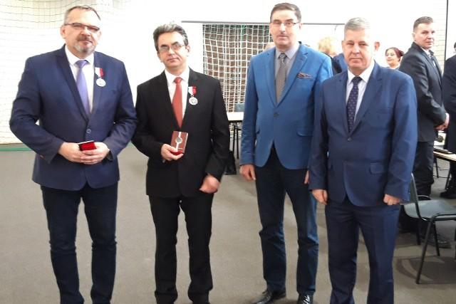"""Podczas uroczystej sesji Rady Gminy Złotniki Kujawskie wręczono Honorowe Odznaki """"Wierni Tradycji"""""""