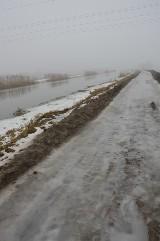 Komunikacja. Miłośnicy rowerowej rekreacji będą jeździć ścieżką przy Kanale Łączańskim. Powstaje przy kolejowych przystankach,