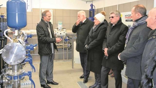 Na oddanie nowego zbiornika przyjechali do Jerzmanowic goście z województwa, powiatu i gminy