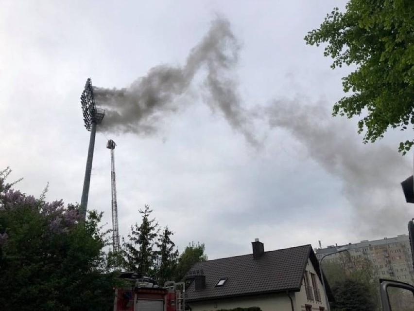 Pożar na stadionie w Bełchatowie, opóźniony mecz i porażka...