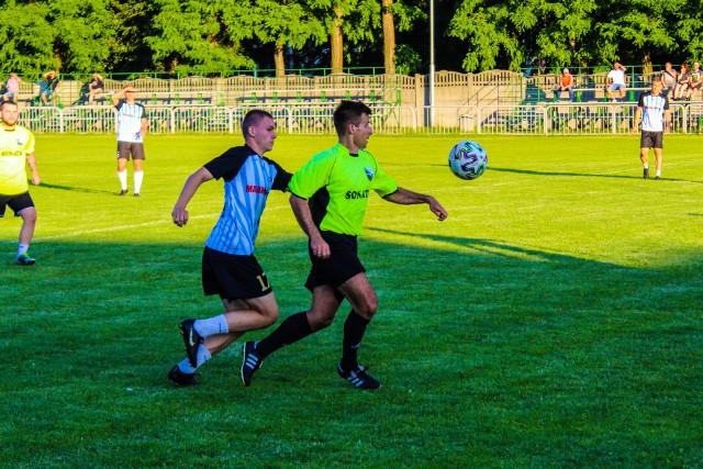 Krzysztof Weres (z prawej) w nadchodzącym sezonie zagra w barwach Sokoła Kamień