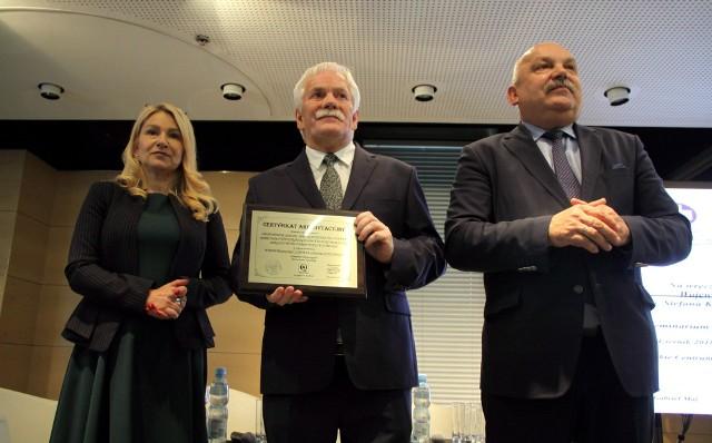 Szpital przy Kraśnickiej otrzymał w czwartek Certyfikat Akredytacyjny. Uroczystość odbyła się w LCK
