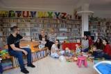 W rdziejowskiej bibliotece do  NIE(ZWYKŁYCH) MAM dołączyły BABCIE. Było spotkanie z fizjoterapeutą