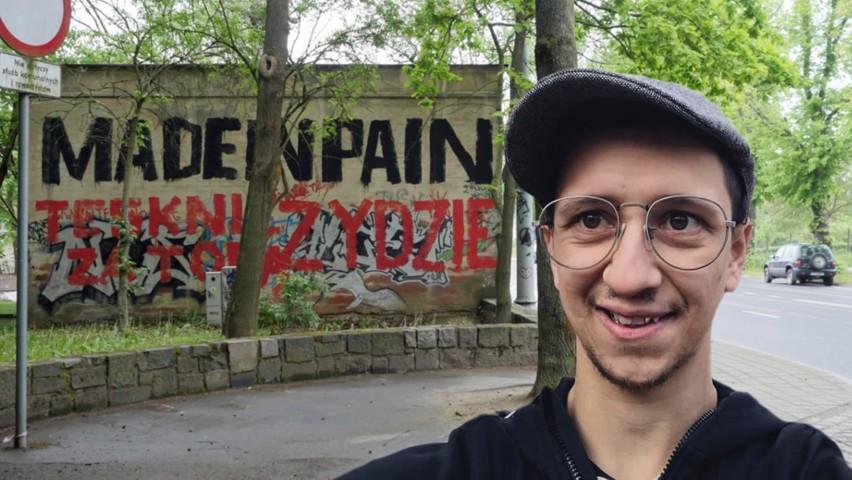 """Happening """"Tęsknię za Tobą, Żydzie"""" w Szczecinie. Rafał Betlejewski tłumaczy cel akcji"""