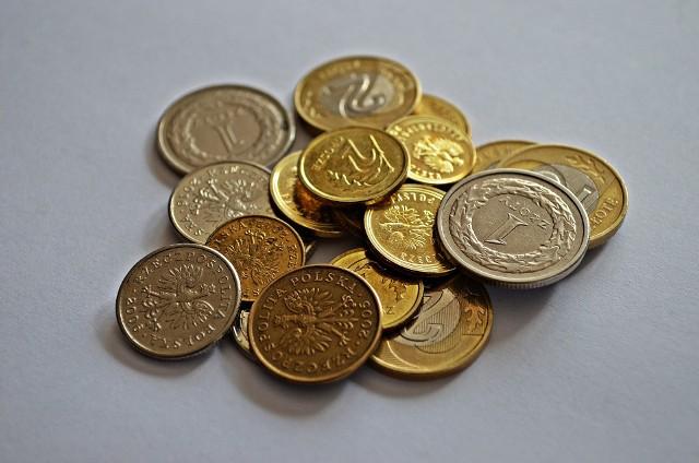 W Polsce kilkaset tysięcy Polaków otrzymuje groszowe emerytury