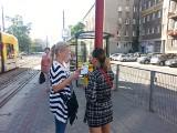 """Praca kontrolera biletów w Łodzi. Przekonaliśmy się jak to jest być """"kanarem"""" [ZDJĘCIA]"""