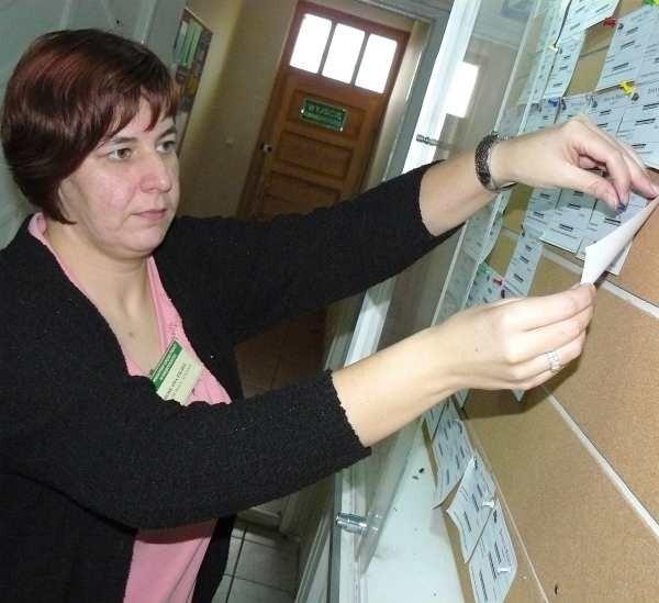 - Mamy coraz mniej ofert pracy, dlatego wciąż usuwamy kolejne propozycje z naszej tablicy - mówi pośrednik pracy Mirosława Figiel z Powiatowego Urzędu Pracy w Międzyrzeczu