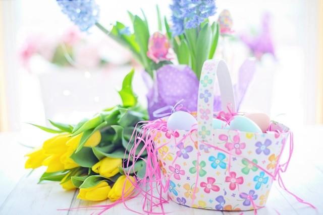 Życzenia wielkanocne: zobacz piękne, religijne, oficjalne życzenia na Wielkanoc oraz śmieszne wierszyki wielkanocne. Wyślij w święta życzenia swoim bliskim!