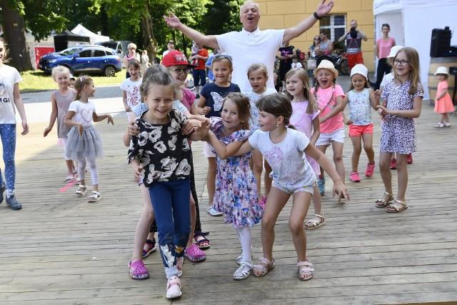 """Dni Otwarte Zespołu Pieśni i Tańca """"Śląsk"""" za nami. Impreza przyciągnęła małych i dużychZobacz kolejne zdjęcia. Przesuwaj zdjęcia w prawo - naciśnij strzałkę lub przycisk NASTĘPNE"""