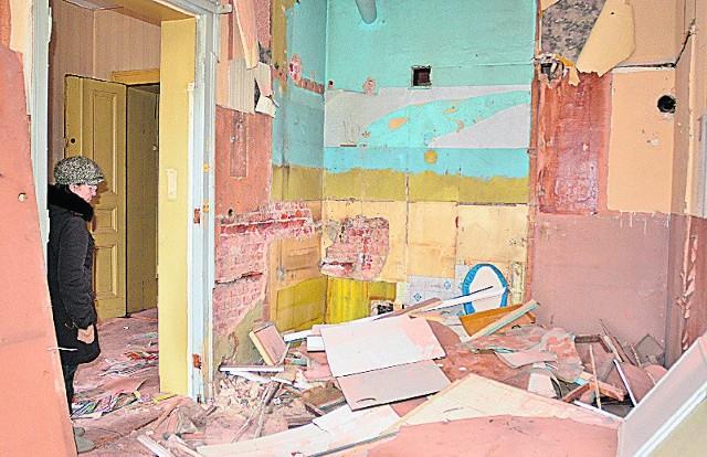 Opuszczone lokale są regularnie okradane…