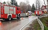 Osobówka rozbita na drodze prowadzącej z Limanowej do Męciny