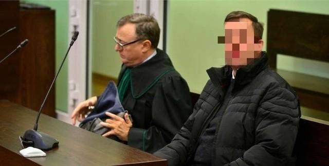 Ksiądz pedofil Paweł Kania (a raczej już były ksiądz) odsiaduje karę siedmiu lat więzienia.