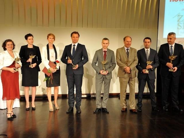 Możemy być dumni z Złotej Setki firm PodkarpaciaPamiątkowe zdjęcie laureatów najnowszej Złotej Setki.