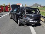 Poważny wypadek na autostradzie A1 w powiecie włocławskim. Dwie osoby ranne [zdjęcia]