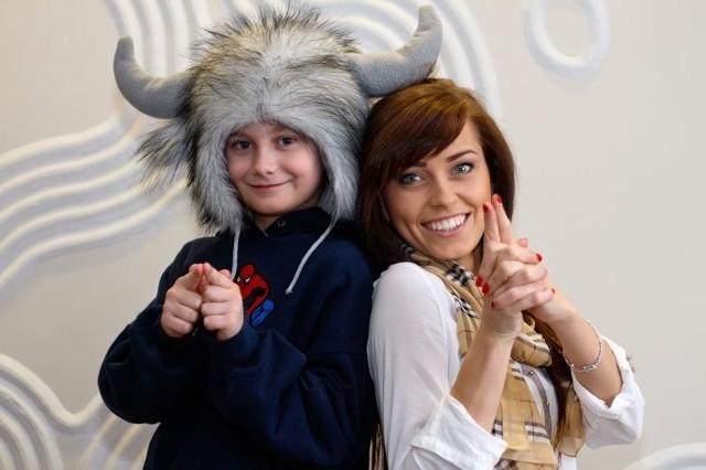 Radek bardzo ucieszył się z sesji fotograficznej z Anną Moniuszko, Miss Podlasia 2012. Dziewczyna pozowała do specjalnego kalendarza pomagającego spełnić marzenie chłopca. Ta dwójka od razu się zrozumiała i przypadła sobie do gustu.