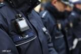 Policjanci z kamerami na mundurach. Pierwsze patrole ruszyły w teren