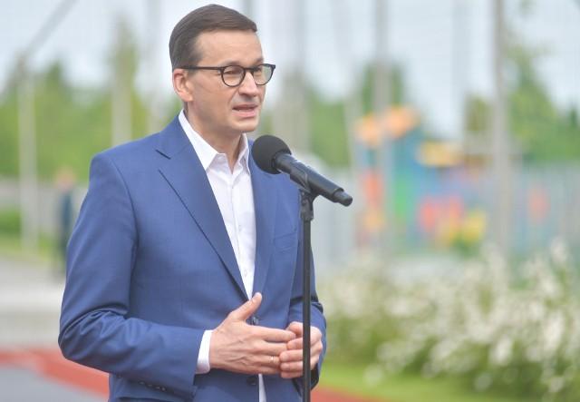 Premier Mateusz Morawiecki wcielił się w rolę instruktora bezpieczeństwa w ruchu drogowym. W szkole w Bielisze pod Radomiem wziął udział w lekcji dotyczącej podstawowych zasad zachowania się na drodze pieszych i rowerzystów. Wizyta związana była z obchodami dnia dziecka i zmianami w przepisach dotyczących ruchu drogowego, które weszły w życie 1 czerwca.