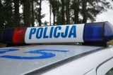 Wypadek w Płachtach. Ranny kierowca audi zmarł w szpitalu. Auto było kradzione