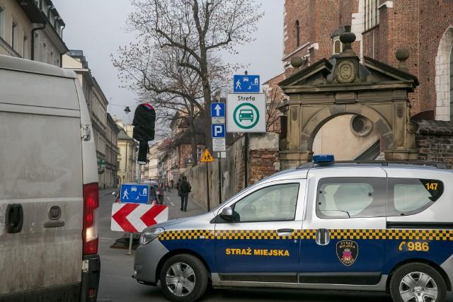 W Polce na razie tylko Kraków zdecydował się na utworzenie Strefy Czystego Transportu. Wjazd do strefy wskazuje znak D-54