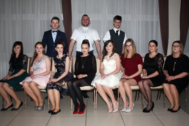 """Zobaczcie zdjęcia ze studniówki dorosłych w CKZiU w Brodnicy. Gwiazdy wspominają swoją studniówkę. """"Nie było żadnych tragedii, upijania się""""/DDTVN"""