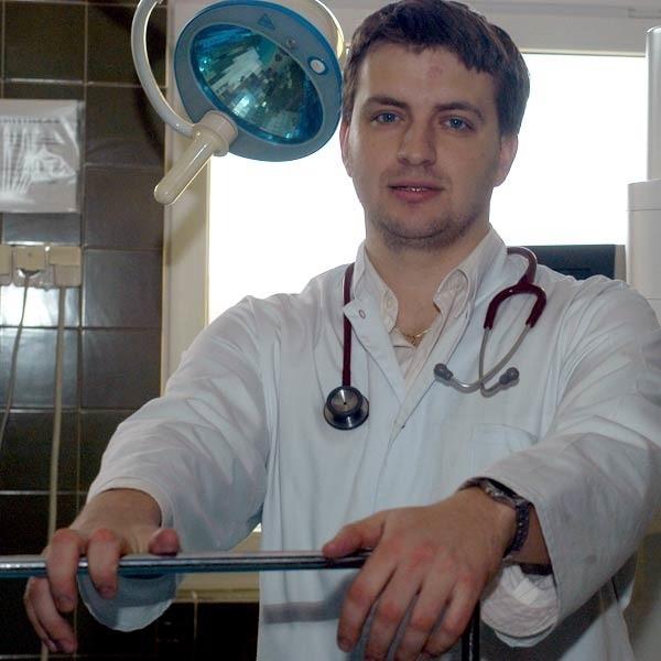 Rafał Marosz jest rezydentem na oddziale kardiologii krośnieńskiego szpitala. - Taki ośrodek stwarza lekarzom szansę     dokształcania na miejscu, umożliwi też   udzielanie szybkiej pomocy chorym.