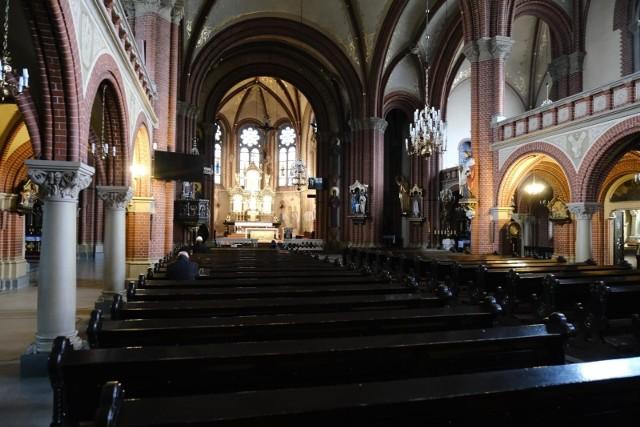 W kościołach nie może przebywać aktualnie więcej niż pięciu wiernych.