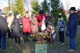 Mieszkańcy Zbąszynka posadzili kolejne drzewko w Alei Wolności na Wzgórzu. Sadzonka jest potomkiem Chrobrego, najstarszego dębu w Polsce