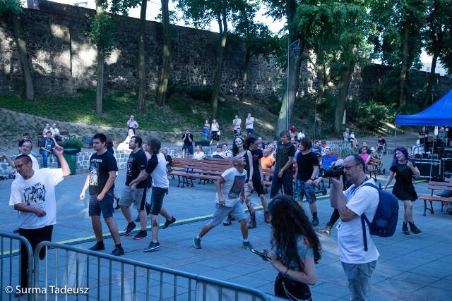 Festiwal Drag Rats przyciągnął do teatru letniego miłośników mocnych dźwięków.