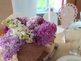 Wystrój sali, stołu i kwiaty na pierwszą komunie świętą - w stylu eko. Wykorzystacie pomysły? [zdjęcia]