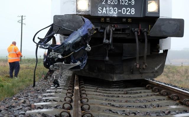 Zderzenie pociągu z autem osobowym w Moszczenicy, 14.11.2020