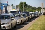 Poznań: Wypadek na skrzyżowaniu Hetmańskiej z Dmowskiego. Zderzyły się dwa samochody