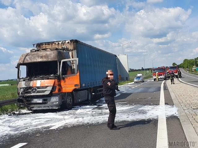 Kierowca samochodu ciężarowego szczęśliwie nie odniósł żadnych obrażeń.