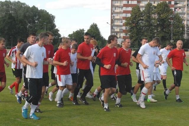 Na pierwszych zajęciach Resovii pojawił się spory tłum piłkarzy.