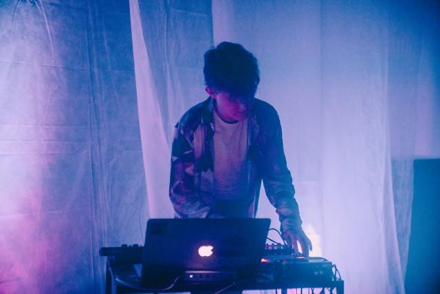 Mieszkający pod Krakowem producent muzyczny Dafeat specjalizuje się w nowoczesnym R&B