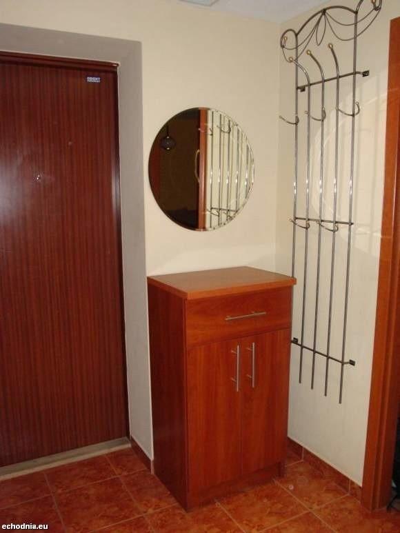 W korytarzu powinna być szafka na buty i drobne przedmioty.
