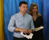 Wybory parlamentarne na Ukrainie 2019 [WYNIKI] Sługa Narodu, partia prezydenta Zełenskiego zdobyła prawie 44 proc. głosów. Odnowa elit?