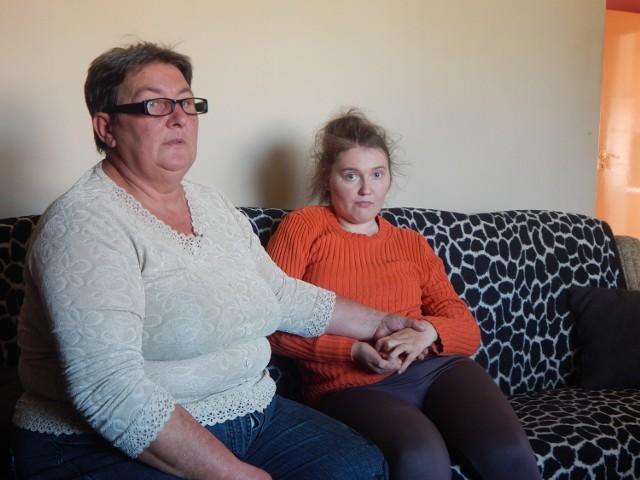 Maria Sławik musi pomagać swojej córce we wszystkich czynnościach i doglądać jej 24 godziny na dobę. Dzięki mieszkańcom Wężysk jest jej łatwiej, gdyż ci robią bardzo wiele, aby pomóc jej i niepełnosprawnej dziewczynie.