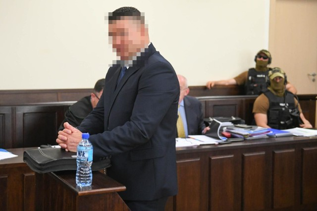 Maciej B., ps. Baryła, w 2011 roku zaczął rozmawiać z poznańskimi policjantami o niewyjaśnionej sprawie dziennikarza Jarosława Ziętary. Potem stał się głównym świadkiem krakowskiej prokuratury, która po wielu latach wszczęła śledztwo ws. losów 24-letniego dziennikarza.