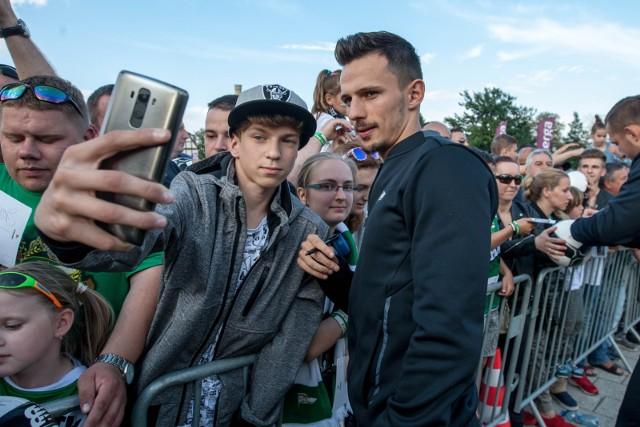 08 07 2017 gdansk. prezentacja pilkarzy lechii gdansk n/z rafal wolski fot. piotr hukalo / dziennik baltycki / polska press