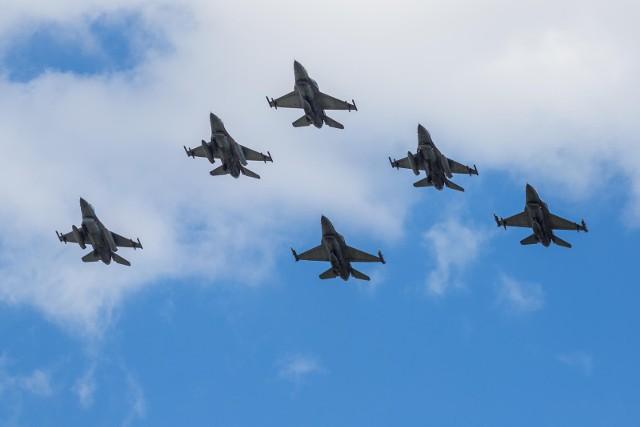 F-16 powinny w sobotę przelecieć nad Poznaniem