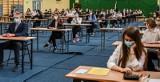 """Matura 2021: język angielski. """"To był najłatwiejszy egzamin ze wszystkich"""" - oceniają uczniowie. Co jeszcze mówią?"""
