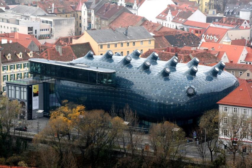 Budynki w kształcie owoców, zwierząt i innych dziwnych...
