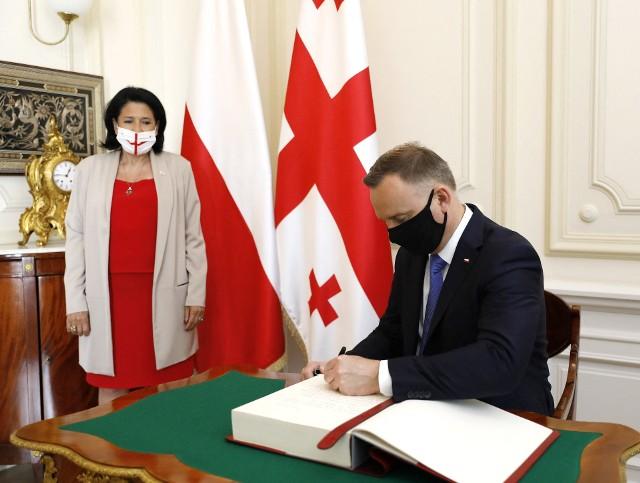 Prezydent Andrzej Duda w Tbilisi: Gruzja jest na drodze do członkostwa w NATO i UE. Polska podzieli się szczepionkami z Gruzją