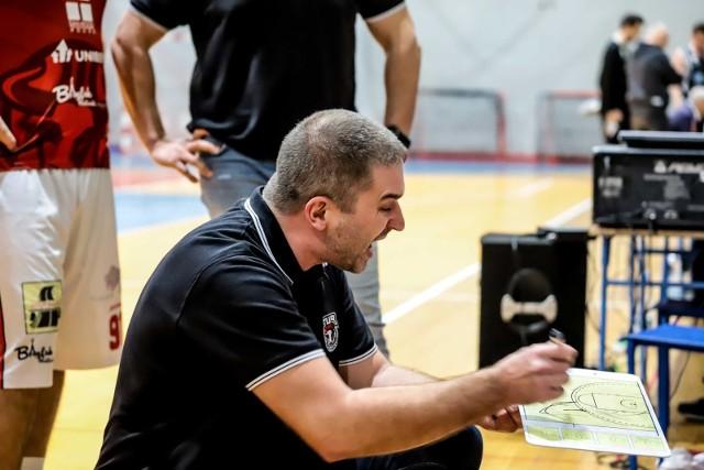 Trener Tura Kamil Zakrzewski wierzy, że jego zespół jest w stanie ograć niepokonanych w tym sezonie krakowskich akademików